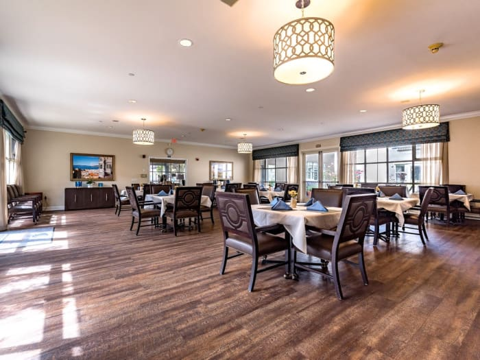 Restaurant at Pacifica Senior Living Mission Villa in Daly City, California