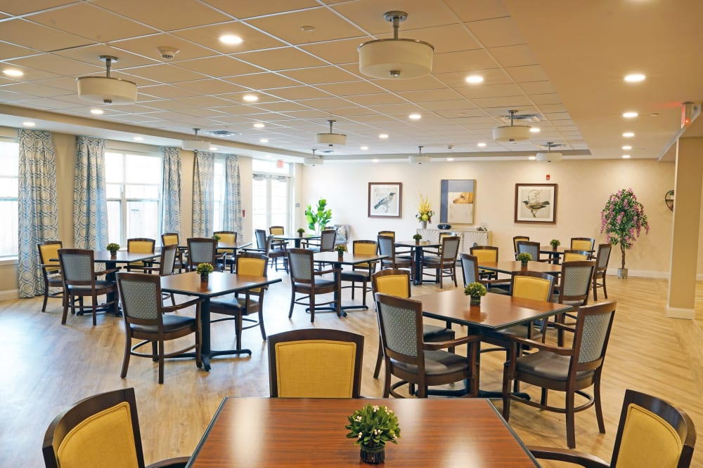 Dining at Harmony at White Oaks in Bridgeport, West Virginia