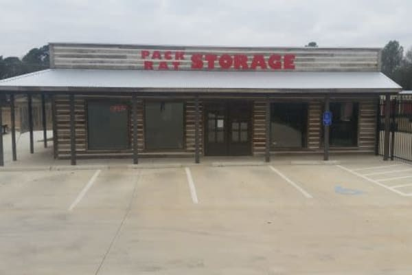 Front view of the leasing office at Pack Rat Storage in Whitehouse, Texas