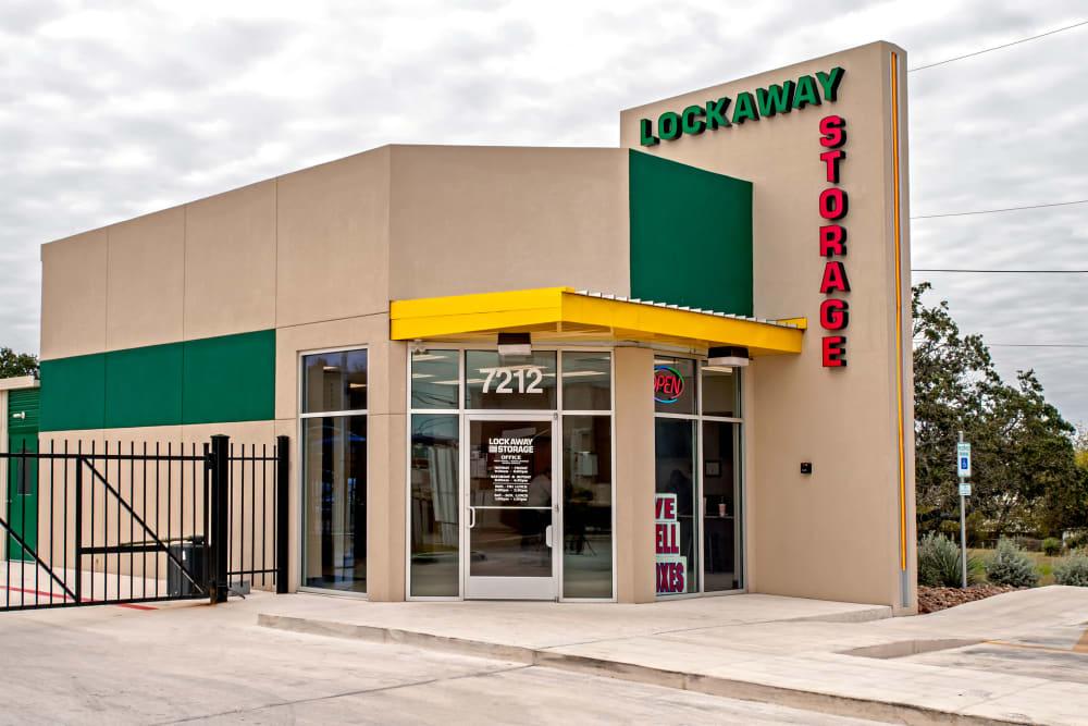 Lockaway Storage Bandera Front Office Exterior