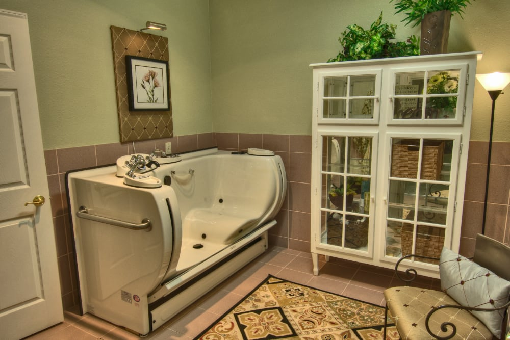 An accessible bathtub at Touchmark on West Prospect in Appleton, Wisconsin