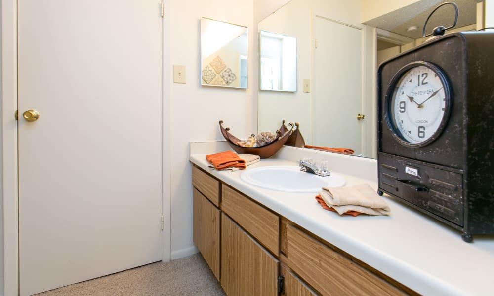Large bathroom at Walnut Ridge Apartments in Corpus Christi, Texas