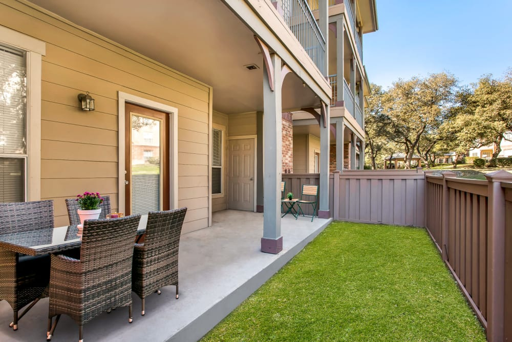 Enjoy Apartments with Backyards at The Estates of Northwoods in San Antonio, Texas
