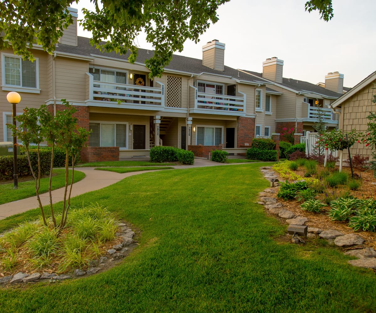 Beautiful landscape at The Courtyards in Tulsa, Oklahoma
