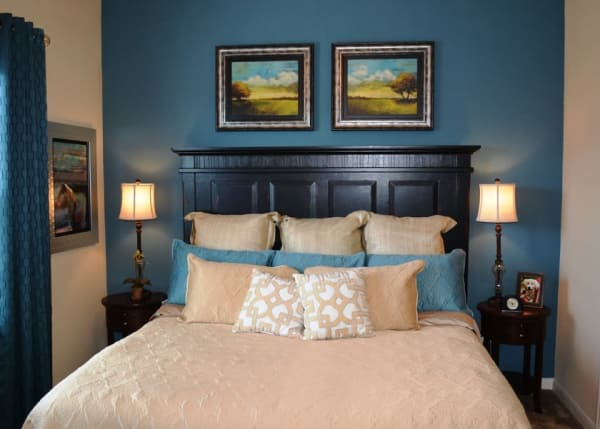 The Abbey at Stone Oak offers a beautiful bedroom in San Antonio, TX