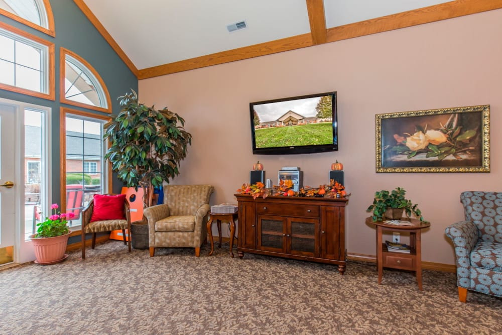 Brightly lit TV room at Brookstone Estates of Rantoul in Rantoul, Illinois