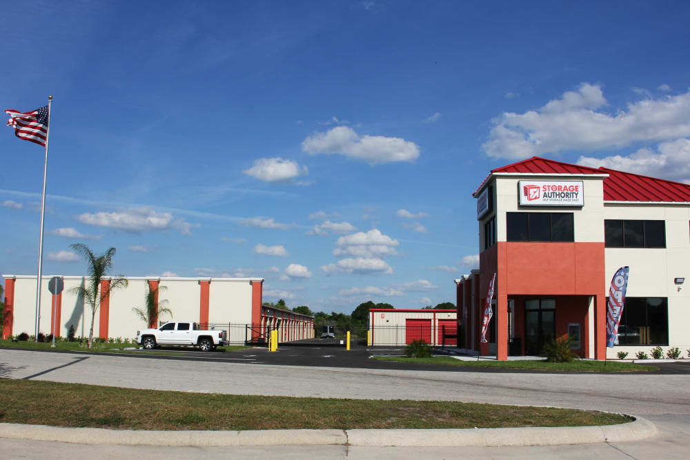 Storage facility Storage Authority Mulberry Florida in Mulberry, FL