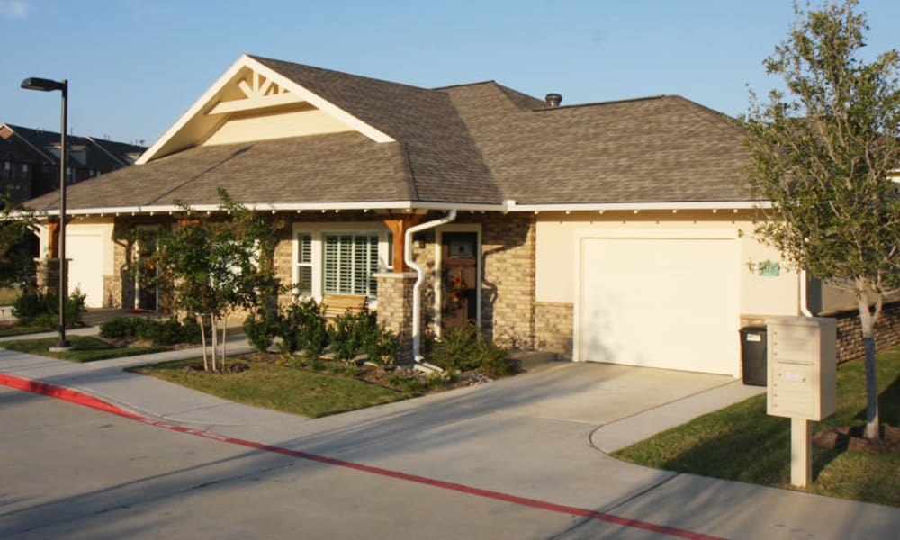 Frontal view of an independent living cottage at MacArthur Hills in Irving, Texas