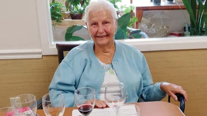 resident Crestview Senior Living