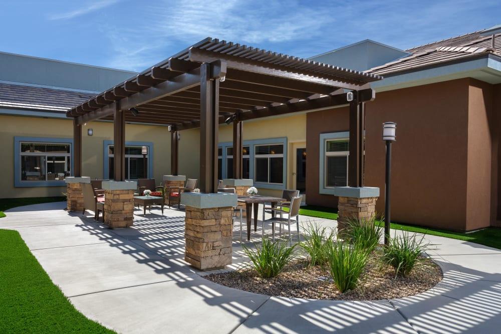 Outdoor seating at Avenir Memory Care at Summerlin in Las Vegas, Nevada.