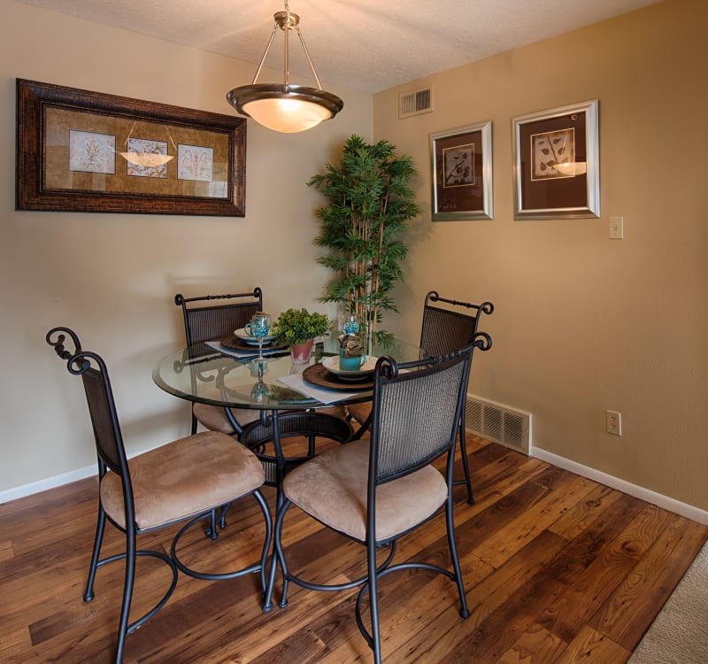 St. Louis, MO Apartments For Rent Off N Lindbergh Blvd