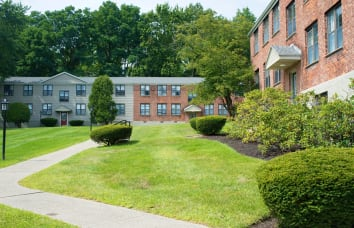 Loudon Arms Apartments is a nearby community of Horizon Ridge Apartments