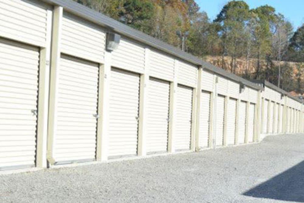 Exterior storage unites at Pinson Valley Self Storage in Pinson, Alabama