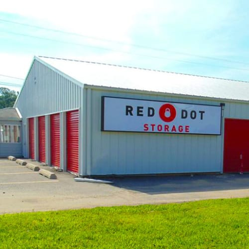 Outdoor storage units at Red Dot Storage in Searcy, Arkansas