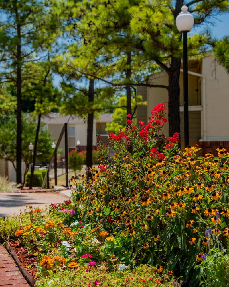Summerfield Place Apartments offers beautiful courtyards and common areas in Oklahoma City, Oklahoma