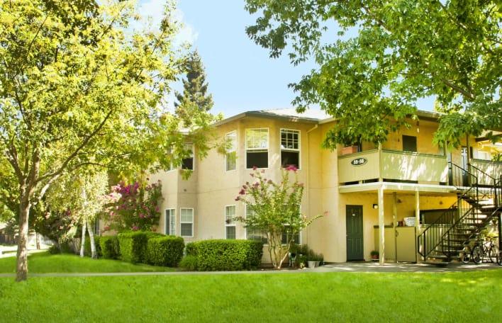 Oak Meadow Apartments