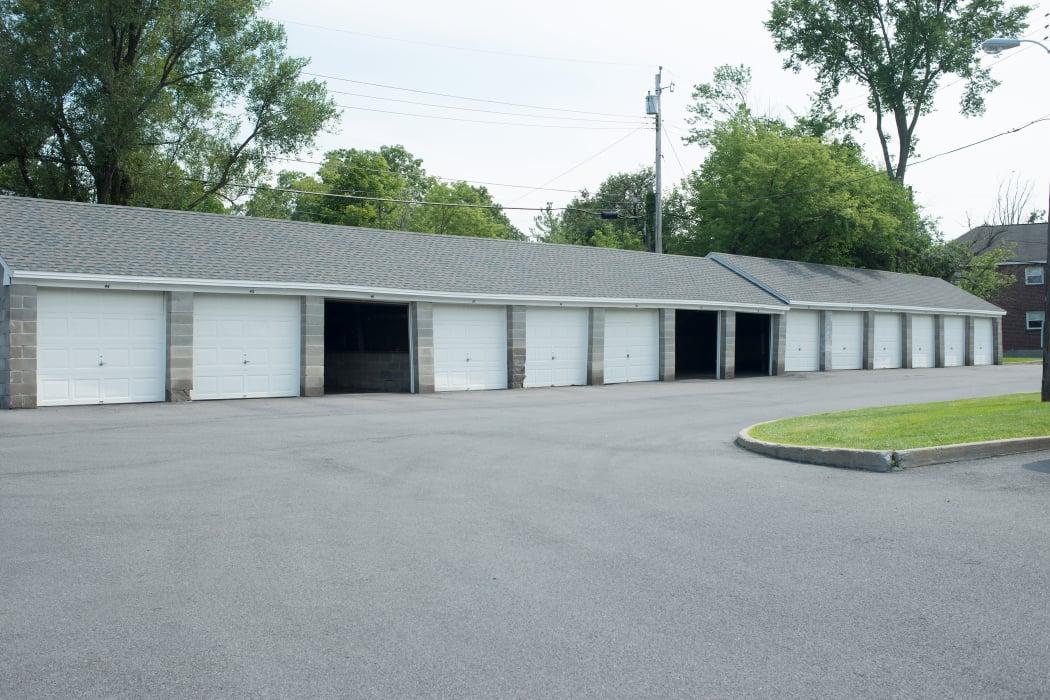 Garages at Netherlands Village in Schenectady