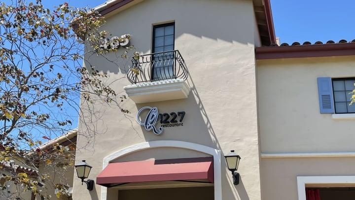 Q1227 Restaurant