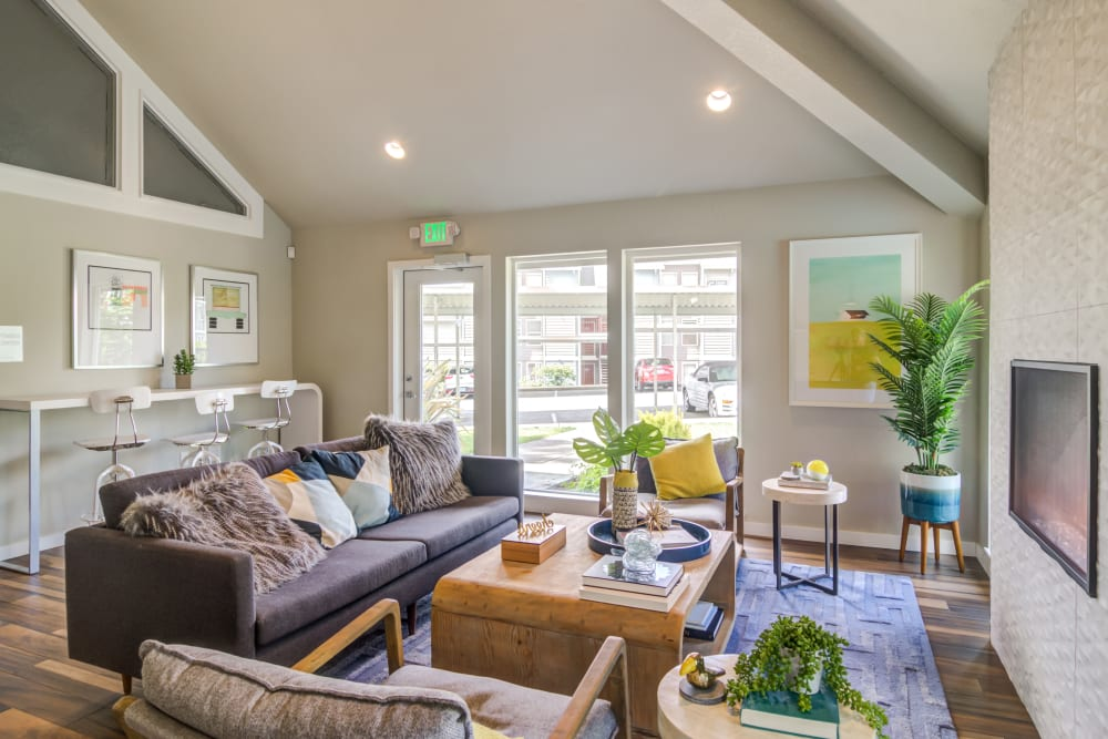 Plenty of comfortable seating in the resident clubhouse at Heatherbrae Commons in Milwaukie, Oregon
