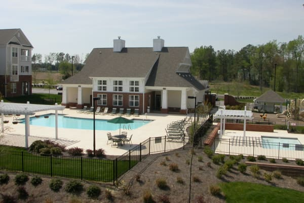 Amenities at Falls Creek Apartments & Townhomes