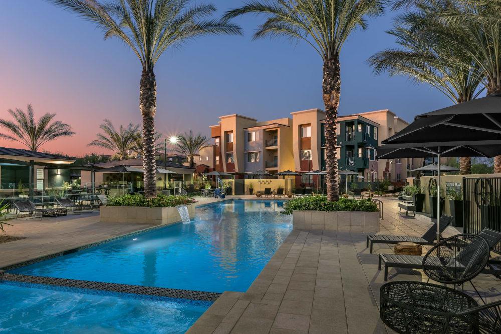 Beautiful swimming pool at Villa Vita Apartments in Peoria, Arizona
