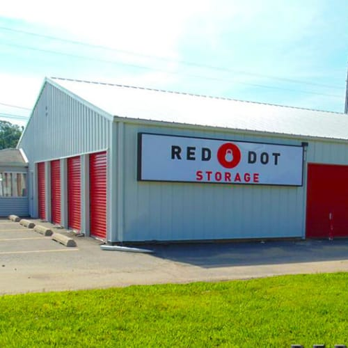 Outdoor storage units at Red Dot Storage in Jackson, Mississippi