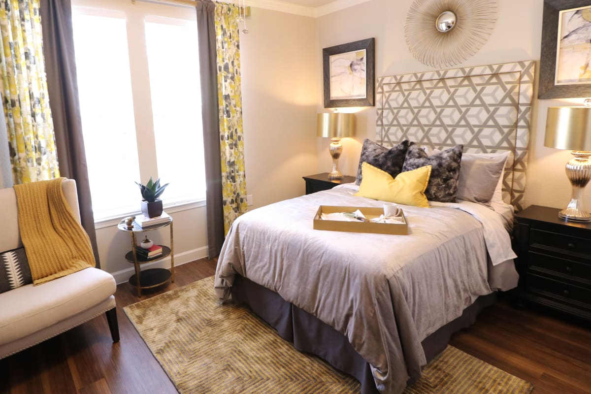 A bedroom at Watercrest at Kingwood in Kingwood, Texas