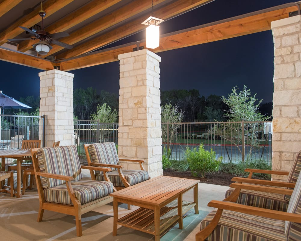 Outdoor lounge area at Ethos Apartments in Austin, Texas