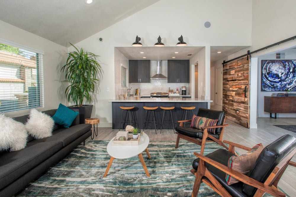 Resident lounge with a community kitchen at Shore Park at Riverlake in Sacramento, California