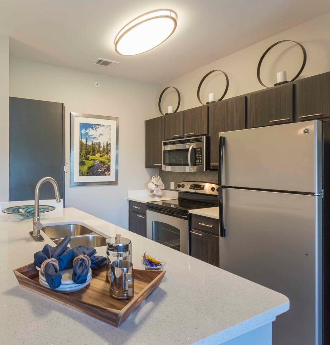 Beautiful apartment features await at Peaks at Woodmen Apartments in Colorado Springs