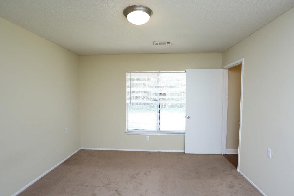 Large room at Madison Pines in Madison, Alabama