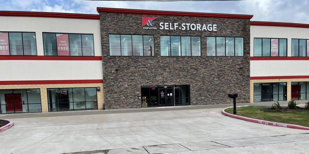 Exterior image of building at Devon Self Storage in Pearland, Texas