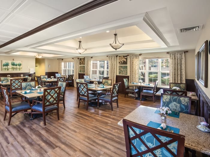 dining hall at Pacifica Senior Living Spring Valley in Las Vegas, NV