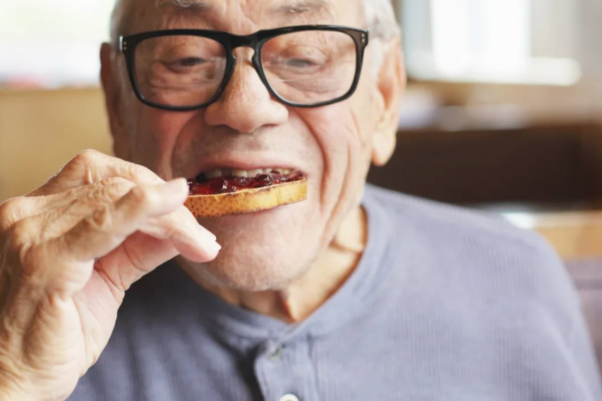 Man eating at Canoe Brook Assisted Living in Ardmore, Oklahoma