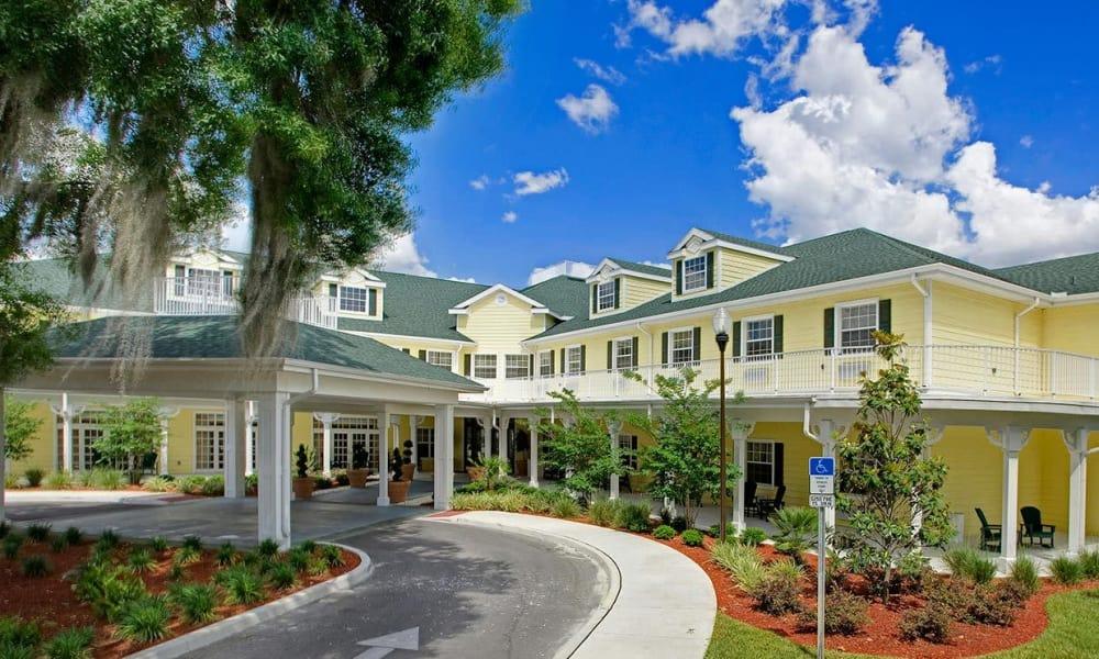 Exterior of Arbor Oaks at Lakeland Hills in Lakeland, FL